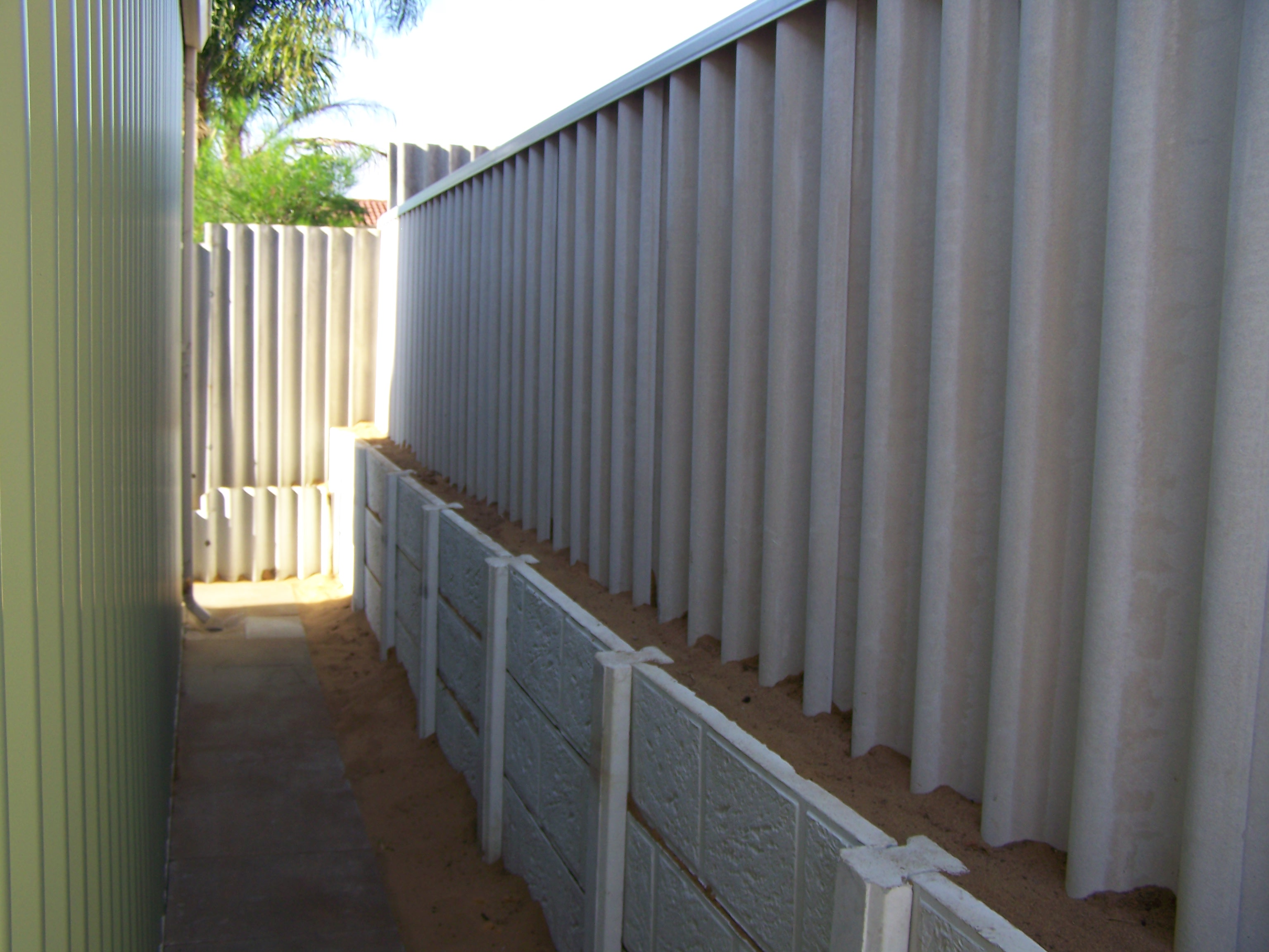 Retaining Walls Harrisdale Fencing Colorbond
